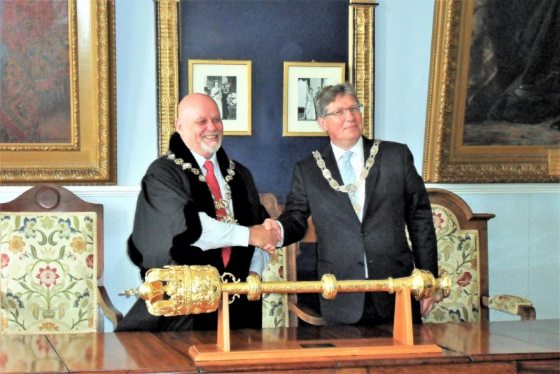 mayors-in-guildhall-1
