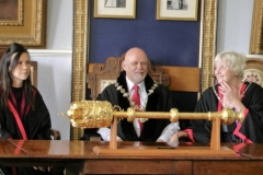 Mayor-of-Queenborough-with-mace-2